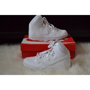 Women's Nike Son Of Force Mid